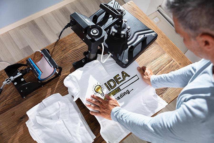 Vente de t-shirts et d'accessoires aux imprimés originaux